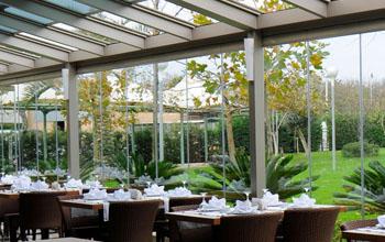 автоматическая раздвижная стеклянная крыша для кафе и ресторана